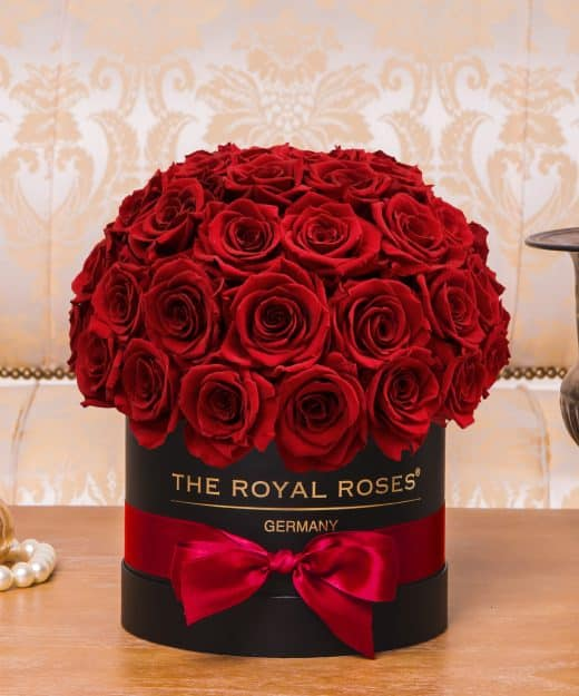 the royal roses rosenbox flowerbox infinity rosen. Black Bedroom Furniture Sets. Home Design Ideas