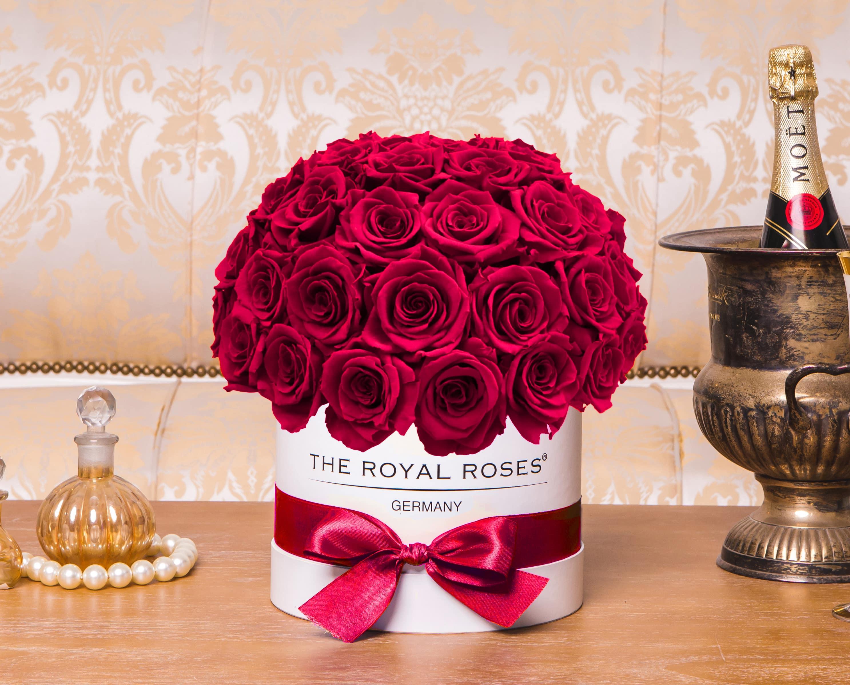 royal bonbon rosenbox the royal roses rosenbox infinity rosen. Black Bedroom Furniture Sets. Home Design Ideas