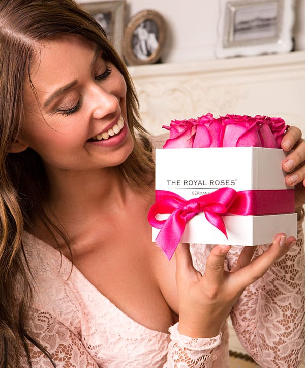 The Royal Roses - Rosenbox - Würfelbox mit pinken Rosen