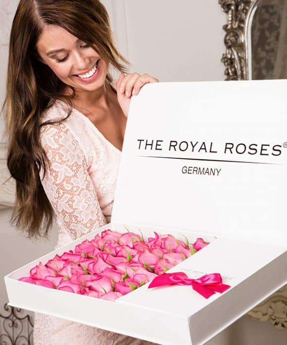 The Royal Roses® Die rosa Rosen in der Royal Delux Box Weiß Flower Box