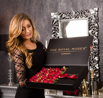 The Royal Roses® Die roten Rosen in der Royal Delux Box