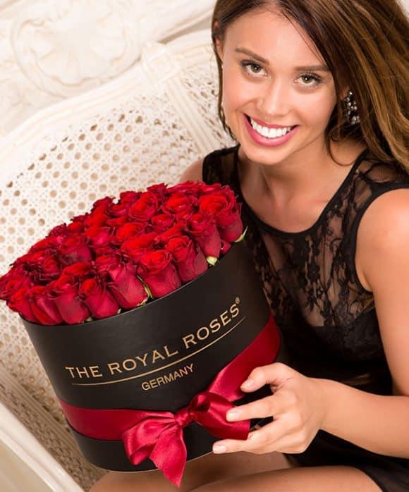 The Royal Roses® Die roten Rosen in der Royal Round Box - schwarz Flower Box