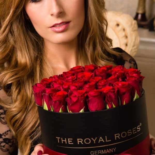 The Royal Roses - Rosenbox - Runde Box mit roten Rosen